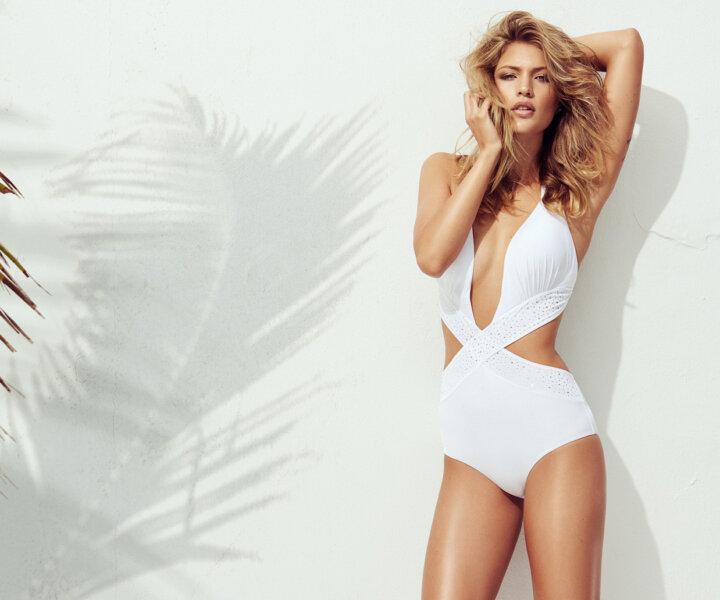 Kinga Mathe // Beach Campaign